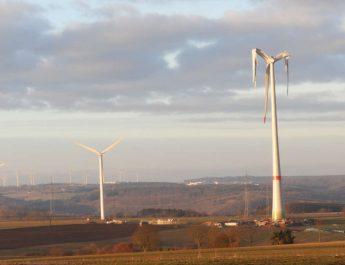 Unfall einer Windkraftindustrieanlage in NRW – Gefahr von oben